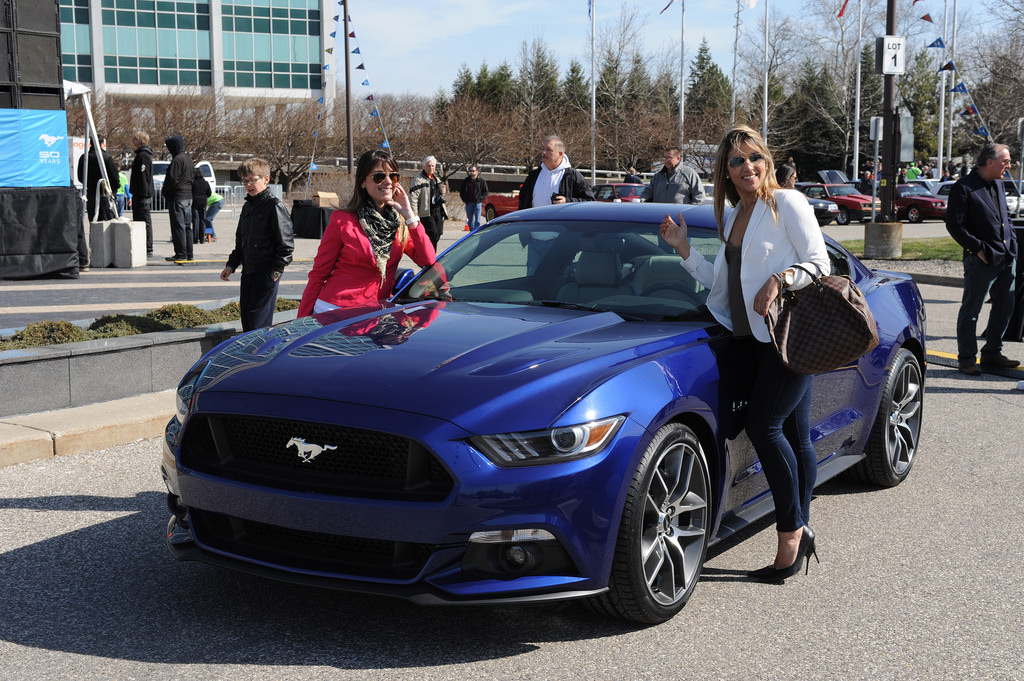 deep impact blue ford mustang ecoboost3jpg - Ford Mustang 2015 Blue
